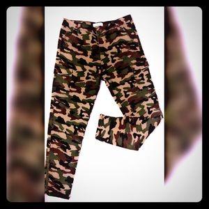 Camo Print Skinny Ankle-Zip Pants